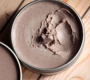 DIY Cocoa-tinted sunscreen
